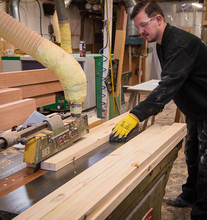 Timber machine saw